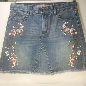 Chelsea & Violet Embroidered Denim Skirt M